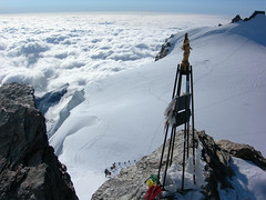 tre dans le vent (tel est Marc) Tags: mountain montagne alpes glacier climbing mountaineering neige glace alpinisme alpinism alpinist alpiniste telestmarc