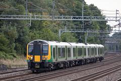 LON_259 (Stuart's Transport) Tags: uk electric train siemens emu lm overhead wcml carpenderspark desiro 3502 class350 londonmidland 350264