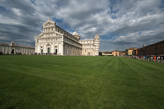Piazza dei Miracoli III (egisto.sani) Tags: tower cathedral bell pisa campanile tuscany duomo toscana battistero dei baptistery cattedrale tower monumentalcemetery piazza square torre leaning miracoli miracles monumentale camposanto pendente