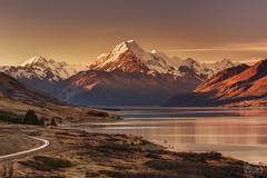 Aoraki/Mt Cook at sunset (bgspix) Tags: road sunset newzealand sun mountain lake snow canon landscape nationalpark glacier trail valley summit mtcook tasman hooker lakepukaki mountcook aoraki pukaki canoneos5dmarkiii ef70200mmf28lisiiusm bgsphotography bgspix
