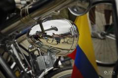 Da mundial de la bicicleta: 19 abril - 1 (Laura Olejua - www.lauraolejua.com) Tags: bike colombia bicicleta bandera bicicle bycicle planodedetalle damundialdelabicicleta