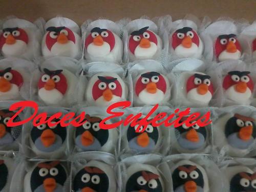 Festa Angry Birds (doces fondados com modelagem)