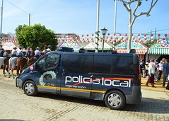 POLICÍA LOCAL-UNIDAD DE INTERVENCIÓN 112/092 (SEVILLA) (DAGM4) Tags: emergencias112 cnp bomberosdesevilla feriadeabril sevilla españa spain europa seguridad policialocal feria2015 police 112 no8do policía 092