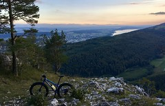 Fattys Do It Best (collideous) Tags: autumn fall evening fatbike ride 30092016 rocks view biel lake