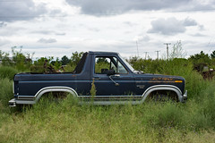Abandoned Ford Bronco, Grandfalls, Texas (adamkmyers) Tags: classictruck classiccar fordtruck westtexas