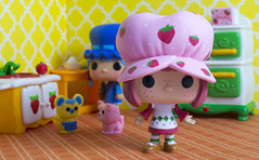 (LegionCub) Tags: strawberryshortcake blueberrymuffin custard cat cheesecake mouse funko pop berry happy kitchen