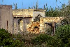 Casa de campo abandonada (ibzsierra) Tags: casa house campo abandonado ibiza eivissa baleares canon 7d 2100400 is usm salinas parque natural