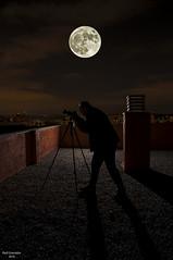 Bajo la luz de la lunaaaa..... (raulgranados) Tags: moon ngc luna contraluz fotografo cazado 444444444444444