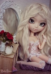 Pearl Honneycutt (Little Queen Gaou) Tags: outfit bustier victorian style glamour chic shabby nanachan pullip groove doll inspiration photography