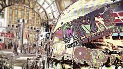 pommes for president (yakkay43) Tags: abstraktes farben spiegelungen streetfotografie hamburg