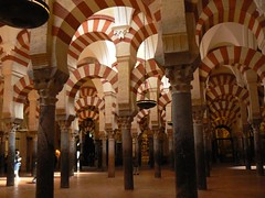 Prayer hall of Mezquita Catedral de Crdoba (UNESCO WHS) (uempe (only sporadically here)) Tags: espaa church digital photo andaluca spain europa europe arch foto cathedral kathedrale catedral iglesia kirche mosque andalucia unescoworldheritagesite unesco worldheritagesite panasonic espana cordoba april mezquita column horseshoe andalusia crdoba andalusien unescoworldheritage spanien 2012 worldheritage whs bogen iberianpeninsula sule welterbe unescowelterbe moschee unescowhs hufeisen horseshoearch panasoniclumixdmcfz7 iberischehalbinsel hufeisenbogen