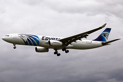 Egyptair Airbus A330-343X SU-GDU LHR 18-05-13 (Axel J. - Aviation Photography) Tags: london airport heathrow aircraft aviation airline airbus flughafen flugzeug aeropuerto flugplatz a330 avion lhr airfield aviao aviones vliegtuig aviacin luftfahrt luchthaven egyptair fluggesellschaft sugdu