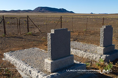 Varschfontein, Tankwa Karoo National Park, Northern Cape, South Africa (Ulrich Mnstermann) Tags: africa city travel holiday grave graveyard southafrica vakantie location afrika ferien reise reizen northerncape buildingslandmarks tankwakaroonationalpark varschfontein 1305southafrica