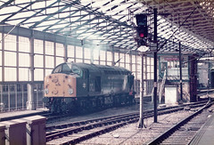 40057 Crewe Station 29-5-84 (Mirrorfinish) Tags: station shed crewe 40 brblue class40 40057 br1980s