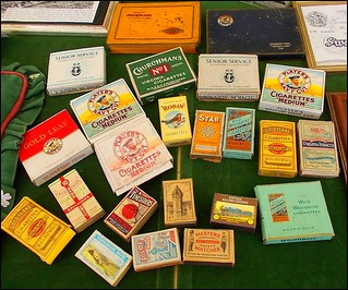 Cigarettes. Cigarrillos.  Zigaretten.