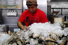 oyster mountain, fish market, dc [_SDI0388] (marios savva) Tags: fish washingtondc dc washington districtofcolumbia market maine wharf seafood oysters avenue