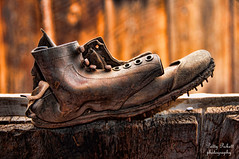work'n-boots (Pattys-photos) Tags: old boot idaho mackaysminehill taylorfamilyhomeandsawmillsite