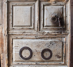 Details of the Door to the Church of the Holy Sepulchre (marylea) Tags: door architecture israel ancient catholic details jerusalem holy churchoftheholysepulchre oldcity 2015 may11 relgions siteofcalvary siteofcrucifixion greekorthodoxpatriarchofjerusalemheadquarters