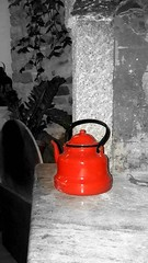 RED (DionPapa) Tags: black white red coffee tea kettle