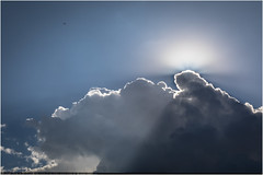 Sun & Clouds (:: Blende 22 ::) Tags: sun clouds rays sonnenstrahlen italy italien rome rom capitalcity sky bluesky blue white canoneos5dmarkiv ef2470f28liiusm roma wolken licht light sonne strahlen dunkel weis himmel canon canoneosd ef2470mmf28liiusm
