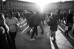 Patchwork (MaCri!) Tags: sony ilce alpha a7ii 7m2 fe28mmf2 primelens bw blackandwhite streetphotography candid people citylife milano piazzadelduomo crowd backlight shadows