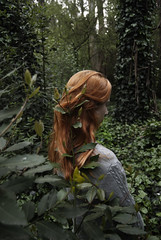 (stardust) Tags: nature naturaleza green verde leaves hojas plantas plants redhaired pelirroja girl chica soft suave woods forest