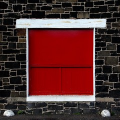 Red-Undant (No Great Hurry) Tags: composition simple canon explored explore sigma18200 wall berwickshire scotland minimal robinmauricebarr eyemouth abstract window white red stone stonework nogreathurry cmwdred bsquare robin ngh