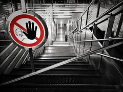 High five bro! (kermit-83) Tags: enlight afterlight iphone7plus stairs stair colorbash colorkey blackandwhite wc toiletten toilettenpapier kudamm berlin treppe stop stopp red ❤️ 😍 😻 highfivebro bro five high