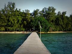 Gate to an Island (yusuf ks) Tags: thousandislands pulauseribu kepulauanseribu gatetoanisland bira biraisland sea sky clouds landscape beach island laut langit awan pulau indonesia land ahoy landahoy