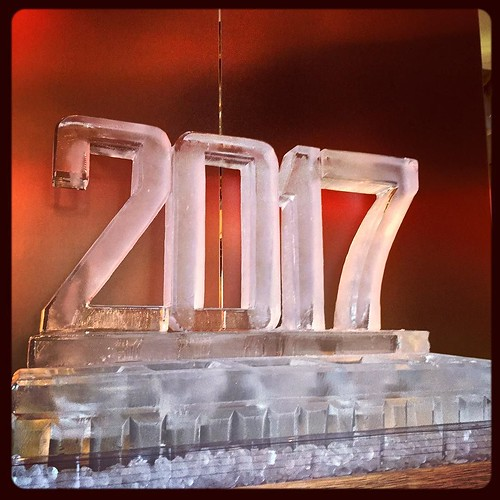 Ready to ring in the new year #holiday @trioaustin #fullspectrumice #thinkoutsidetheblocks #brrriliant - Full Spectrum Ice Sculpture