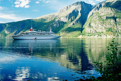 Black Watch, Norway - 321-12a (Captain Martini) Tags: norway crusing fjords blackwatch cruiseships westward hardangerfjord eidfjord royalvikingstar