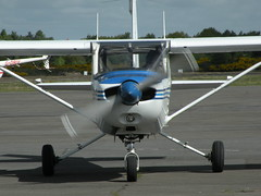 G-BFOE REIMS-CESSNA F152 (BIKEPILOT) Tags: flying airport aircraft aviation aeroplane airfield aerodrome blackbushe eglk reimscessnaf152 gbfoe