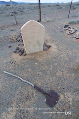 Graveyard of Brambergfontein, Tankwa Karoo National Park, Northern Cape, South Africa (Ulrich Mnstermann) Tags: africa city travel holiday grave graveyard southafrica vakantie location afrika ferien reise reizen northerncape buildingslandmarks tankwakaroonationalpark 1305southafrica brambergfontein