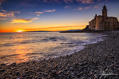 Camogli sunset (Stefano Viola) Tags: sunset italy castle clouds canon reflections landscape italia tramonto nuvole stones liguria explore sassi camogli riflessi castello paesaggio nuances sfumature 5dmarkii 24lii