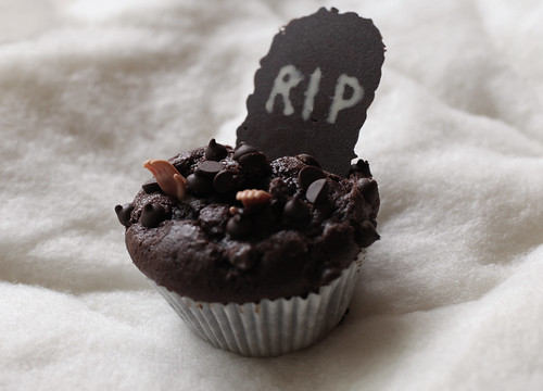 AAW Zombie Hands Muffin