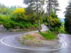 verso Piani Resinelli (Stefano) Tags: italy mountain wet rain bike race climb europa europe strada italia samsung da bici acqua asfalto pioggia montagna lecco corsa salita piani resinelli bagnata 2013
