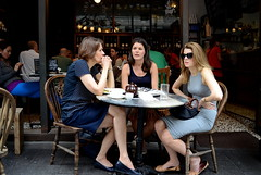 Hong Kong (香港), 108 Hollywood Road (荷李活道), April 2013 (Foooootooooos) Tags: street café hongkong nikon soho streetphotography sidewalk 香港 midlevels rue hongkongisland classified straat hollywoodroad englishrose sidewalkcafe sidewalkcafé straatfotografie photographiederue 荷李活道 הונגקונג gweipo 鬼妹 鬼婆 半山區 гонконг d7000 เขตบริหารพิเศษฮ่องกง gwaipo هونغكونغ classifiedcheeseroom gwaipoh gwaipor gweipor 蘇豪荷南 荷南美食區中環蘇豪區 cittadelledonne