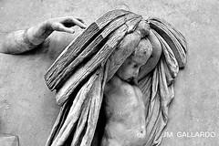 Que no te pese leer - Berlin (Polycarpio) Tags: travel viaje berlin germany deutschland europa europe leer unterdenlinden libro universidad alemania universitt poly gallardo pedestal humbold humboldtuniversittzuberlin polycarpio europephotos fotosdeeuropa fotosdeberlin jmgallardo fotosdealemania juanmanuelgallardo