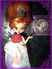 Blythe-a-Day May #16: Coins & #18: Empress: Little Ginnie Wonders...