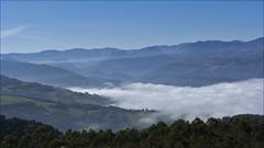 Comarca del Asón (JLL85) Tags: azul blue landscape mountain prado bosque pico peak sky scape cantabria asón españa spain nubes clouds fog niebla vista view naturaleza nature verde green