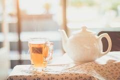 Cup of tea (WillemijnB) Tags: thee tea bokeh th dof depthoffield soft softtones pastels sunlight light theepot theezakje teabag teapot thire