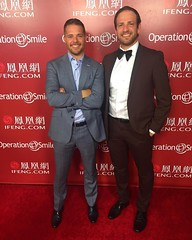 These two #entrepreneurs consider giving back to be of utmost importance. They were privileged to attend a premiere dinner, awards and entertainment evening hosted by @OperationSmile. Such a special and moving evening. #olninc #operationsmile #smilegala # (oln_inc) Tags: oln inc carson ca los angeles