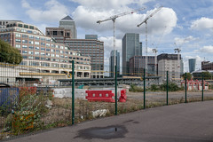 Canary Wharf (Gary Kinsman) Tags: isleofdogs 25cabotsquare 1bankstreet canon24105mmf4l heronquayswest london canarywharf docklands e14 canoneos5dmarkii canon5dmkii construction architecture 2016 urbanlandscape highrise tower core concrete structure development onecanadasquare urban cityscape skyscraper newtopographics contrast scale empty space open 25canadasquare 10upperbankstreet topographics baltimoretower 25bankstreet fence riversidesouth