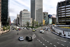 urban area, Umeda, Osaka (jtabn99) Tags: construction hanshin osaka japan nippon nihon umeda 20161126 street crossing building