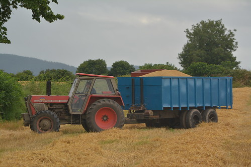 Zetor Crystal 8045 Tractor with a Grain Trailer