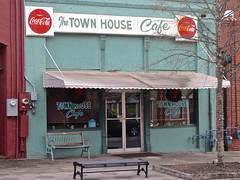 The Town House Cafe, Covington, GA (Robby Virus) Tags: covington georgia town house cafe restaurant front cocacola food ossie stone hamm james