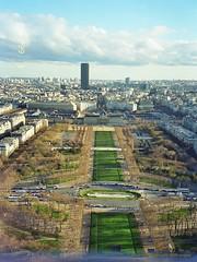Eiffelturm, Paris (Frankreich) - Blick über die Seine Richtung Champ de Mars / Marsfeld (cd.berlin) Tags: paris france frankreich 1999 analog eiffelturm latoureiffel cdberlin