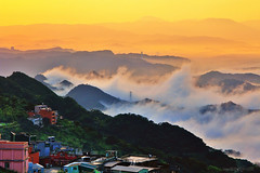 Mountainous Waves (Singer ) Tags: sunset sea sky mist mountain tree fog clouds canon temple hill taiwan singer   taipei       seaofclouds   jioufen                          singer186