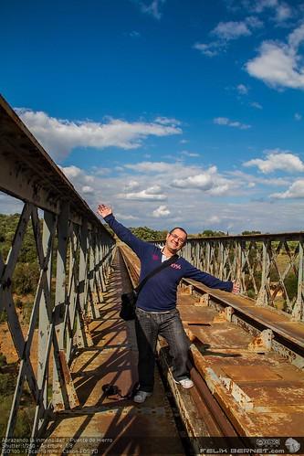 Abrazando la inmensidad - Puente de Hierro