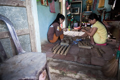 Women making pottery souvenirs ([ 117 Imagery ]) Tags: family tourism river shopping asia southeastasia handmade traditional culture craft visit tourist vietnam hoian pot souvenir clay pottery production tradition handcraft craftmanship touristdestination traveldestination quangnam quangnamdanang